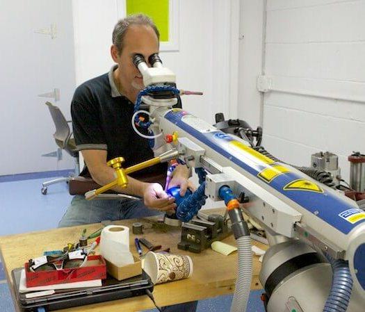 Micro laser welding with Scott